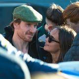 30. Mai 2019  Immer noch wie frisch verliebt zeigen sich Michael Fassbender und seine Frau Alicia Vikander beim Besuch in seinem Geburtsort Killarney in Irland. Dass beide sofort von einheimischen Fans umringt werden, stört das Schauspielerpaar überhaupt nicht.
