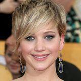 """Januar 2014  Den frechen Pixie lässt sich Jennifer Lawrence """"fedrig"""" herauswachsen."""