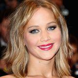 """Mai 2013  In Cannes taucht schon wieder eine """"neue"""" J.Law auf. Dieses Mal ist die große Veränderung ein Bob."""