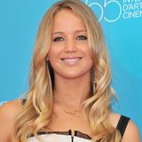 August 2008  Jennifer Lawrence startet mit einem mädchenhaften Look in die Filmbranche.