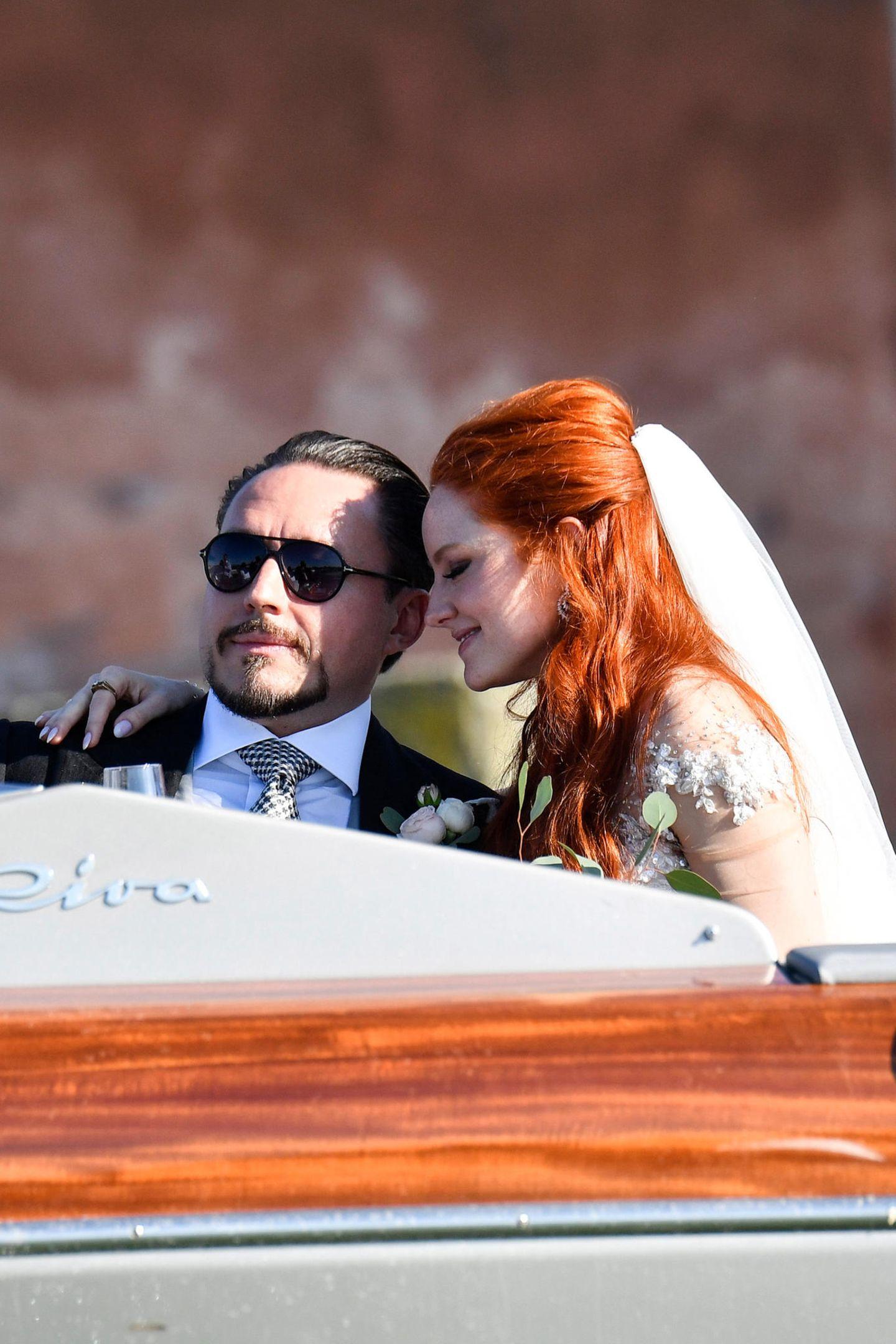 1. Juni 2019  Und im Boot haben Braut und Bräutigamnach dem Trauungstrubel dann erstmal auch etwas Zeit für sich allein.