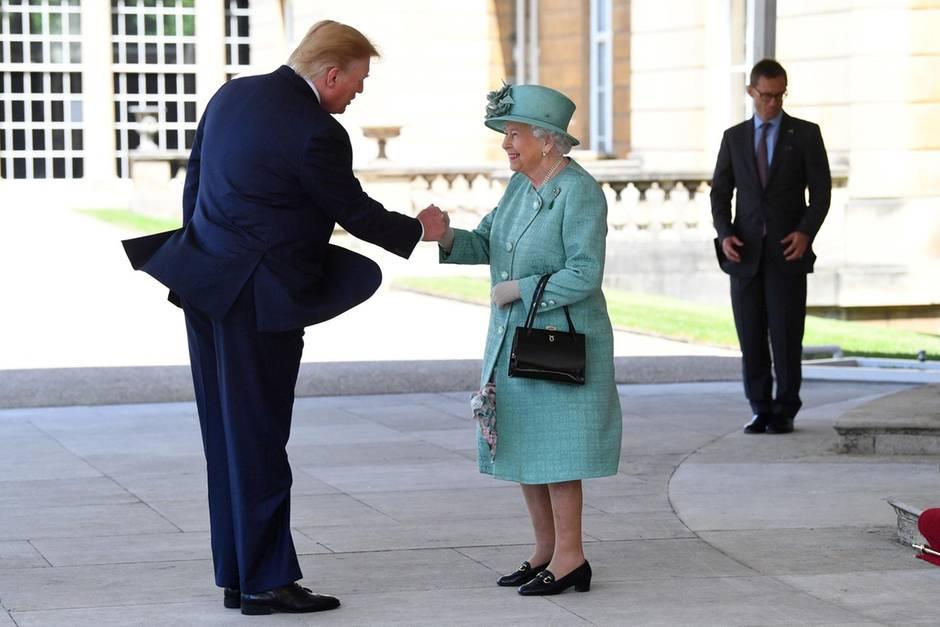 Donald Trump undQueen Elizabeth