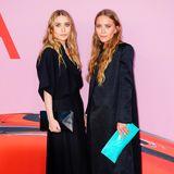 Ihrem heiß geliebten Schwarz bleiben Mary-Kate und Ashley Olsen auch bei den CFDA Awards 2019 treu.