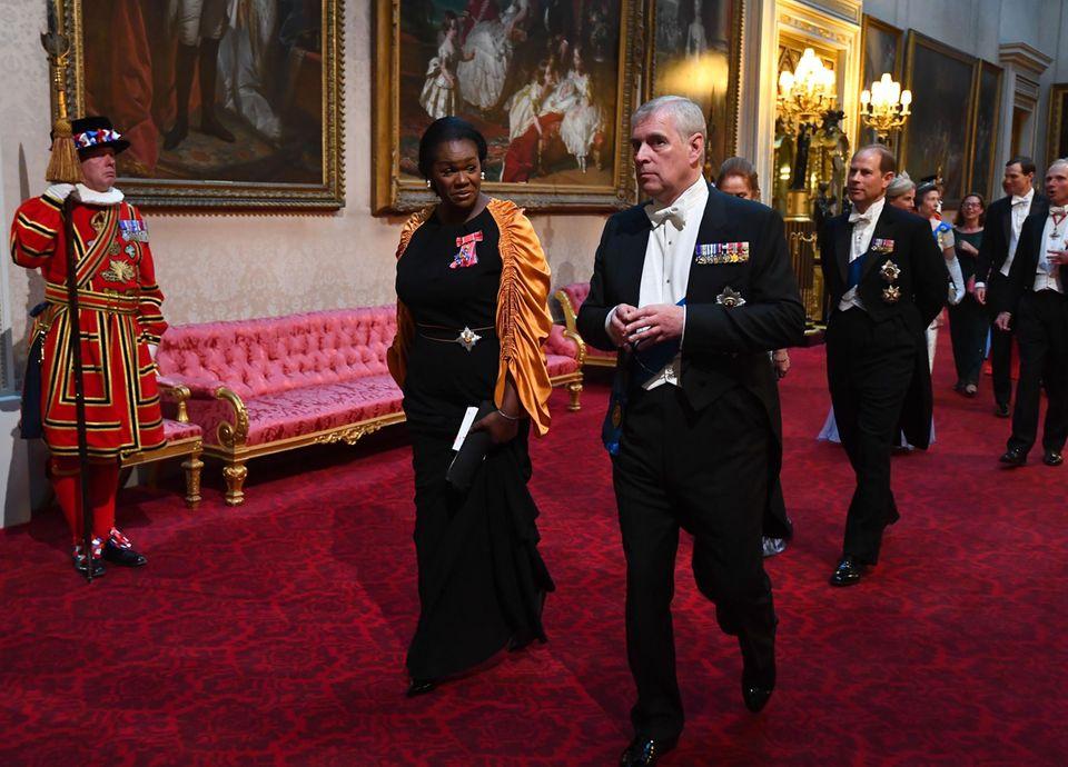 Dame Vivien Hund, Prinz Andrew
