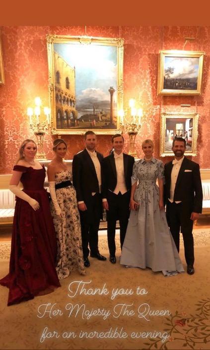 Der Trump-Clan: Tiffany, Lara, Eric, Jared (Kushner), Ivanka und Eric im Buckingham Palast