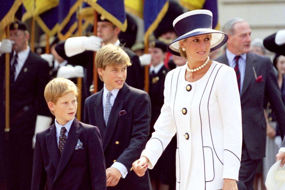 Prinzessin Diana 1995 - noch heute gilt sie als Stilvorbild