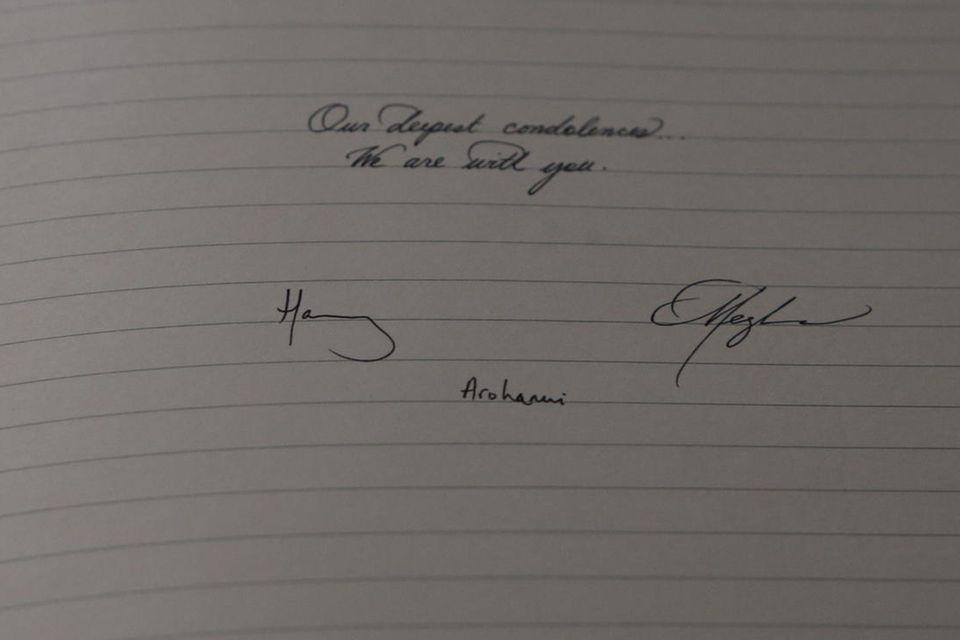 """Herzogin Meghan verdiente sich, aufgrund ihrer schönen Handschrift, mit dem Kalligrafieren vor dem Durchbruch mit """"Suits"""" Geld."""