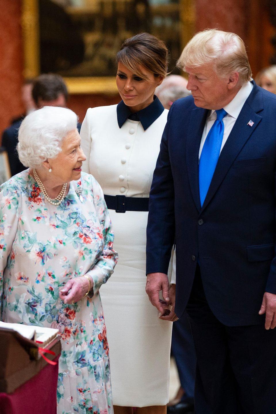 Queen Elizabeth, Melania Trump und Donald Trump
