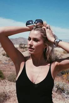 12. April 2019  Das Topmodel nutzt die atemberaubende Kulisse von Palm Springs für schöne Erinnerungsfotos.