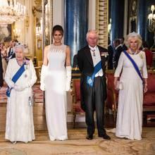 Gruppenfoto im Ballsaal: Donald Trump, Queen Elizabeth, Melania Trump, Prinz Charles, Herzogin Camilla