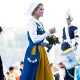 Prinzessin Madeleine sieht in ihrer Tracht bezaubernd aus.