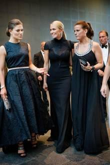 Kronprinzessin Victoria mitihren Freundinnen Andrea Engsäll, Caroline Nilsson und Caroline Dinkelspiel