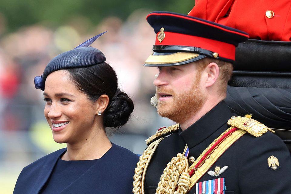 Herzogin Meghan zeigt sich vier Wochen nach der Geburt erstmals wieder der Öffentlichkeit.