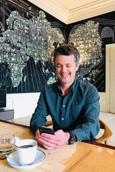9. Juni 2019  Schon am Tag zuvor beantwortete Prinz Frederik ganz gemütlich und volksnah beim nachmittäglichen Kaffee die Fragen seiner royalen Fans via Instagram.