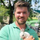 Michael (30) aus Bayern  Zusammen mit seinem Vater kümmert sich der 30-Jährige um den Hof und betreibt einen Garten- und Landschaftsbau. Michael träumt davon, demnächst sein eigenes Haus zu bauen, in dem er dann mit seiner Traumfrau und den gemeinsamen Kindern leben kann.
