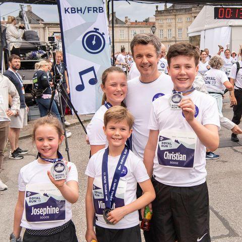 Prinz Frederik mit seinen kleinen Läufern: Josephine, Vincent, Christian und Isabella