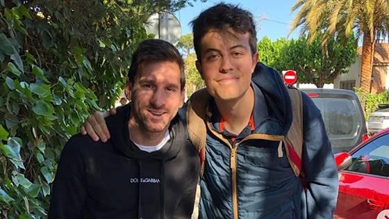 Selfie mit Lionel Messi: Über dieses Detail wundern sich die Fans des Fußballstars