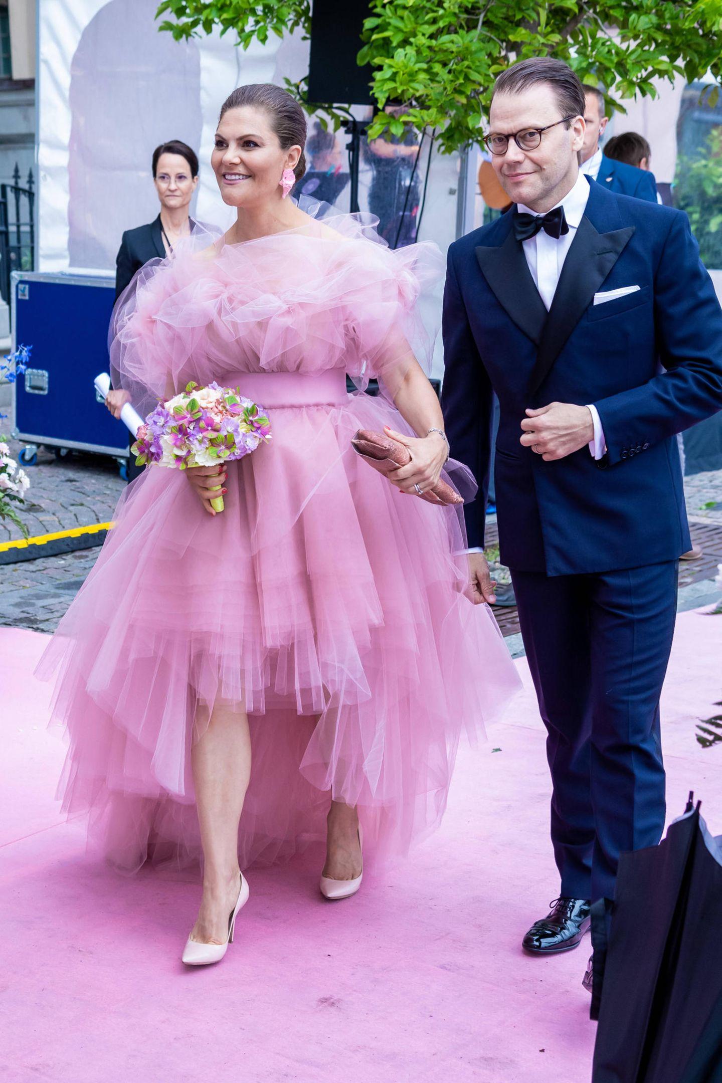 """Prinzessin Victoria und Prinz Daniel kommen zur Verleihung des """"Polar Music Prize"""" ins Stockholmer Grand Hôtel."""