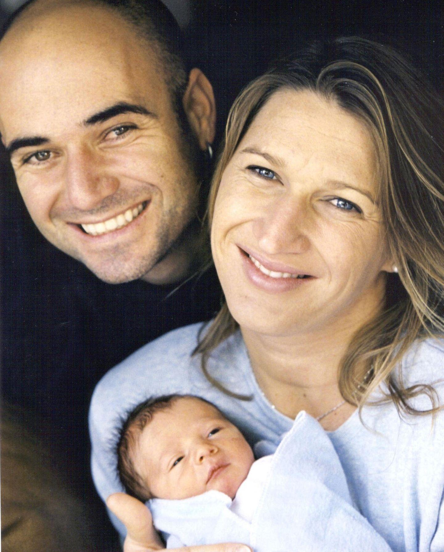 Im Oktober 2001 wird das erste Kind des Paares, Sohn Jaden Gil, geboren. 2003 macht Töchterchen Jaz Elle das Familienglück perfekt.