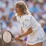 1988 siegt Steffi Graf bei allen vier Grand-Slam-Turnieren sowie bei den Olympischen Spielenund gewinnt damitals erste und bisher einzige Tennisspielerin den sogenannten Golden Slam.