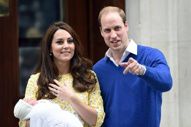 Nach der Geburt von Töchterchen Charlotte strahlt Herzogin Catherine an der Seite von Prinz William.