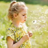 13. Juni 2019  Wünsch dir was: Prinzessin Estelle pustet kräftig die weißen Blüten der Pusteblume weg. Nach alten Überlieferungen geht ein Wunsch erst dann in Erfüllung, wenn man es bei dem ersten Versuch schafft, alle Blüten auf einmal wegzupusten.