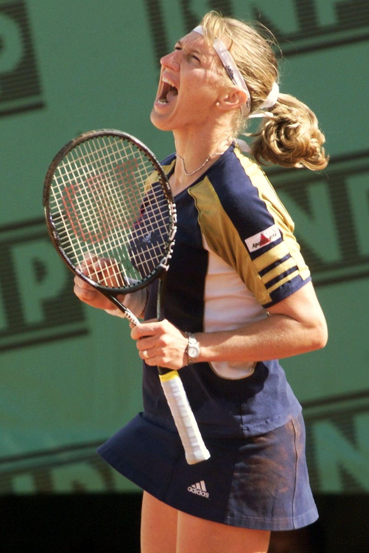 1999 gewinnt Steffi mit 29 noch einmal ein Grand-Slam-Turnier: Im Finale der French Open besiegtsie die 18-jährige Weltranglistenerste Martina Hingis.