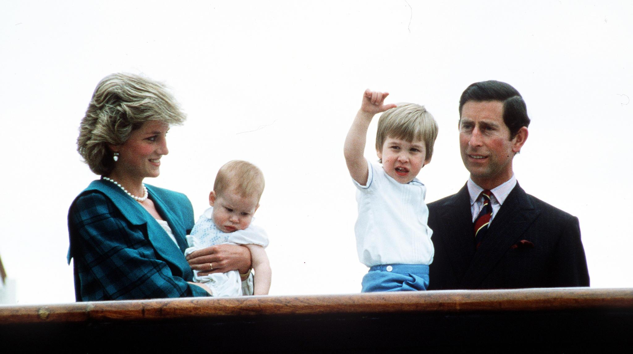 Prinzessin Diana, Prinz Harry, Prinz William und Prinz Charles