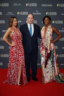 """Fürst Albert trifft bei dem """"Festival de Télévision de Monte-Carlo"""" in Monaco auf die zwei Schauspiel-Schönheiten Jessica Alba und Gabriella Union."""