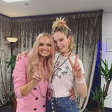 15. Juni 2019  Es ist aber nicht nur Adele, die mit den Spice Girls in London ihr Comeback feiert. Auch Lily James gehört zu den prominenten Fans, die unbedingt ein Erinnerungsfoto schießen wollen.
