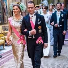 Am Abend wird zu einem festlichen Staatsbankett geladen, an dem auch die Kinder des schwedischen Königspaars mit ihren Partnern teilnehmen, allen voran Kronprinzessin Victoria und Prinz Daniel.