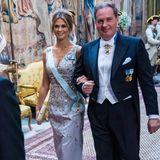 Und sogar Prinzessin Madeleine kommt in Begleitung ihres Ehemanns Chris O'Neill.