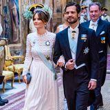 Prinz Carl Philip hat seine schöne Frau Sofia zu dem Dinner mitgebracht.