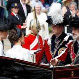 Herzogin Catherine, Königin Letizia, Prinz William und König Felipe teilen sich eine Kutsche ...