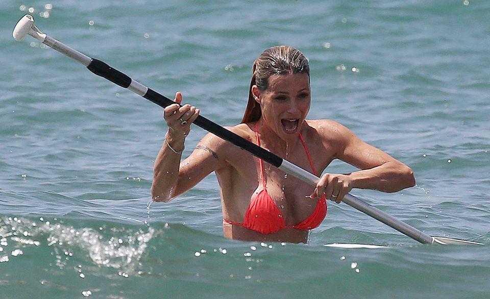 Das unfreiwillige Bad nimmt Michelle Hunziker allerdings mit Humor ...