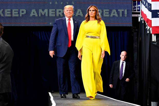 In Neongelb: Melania Trump weiß sich in Szene zu setzen.