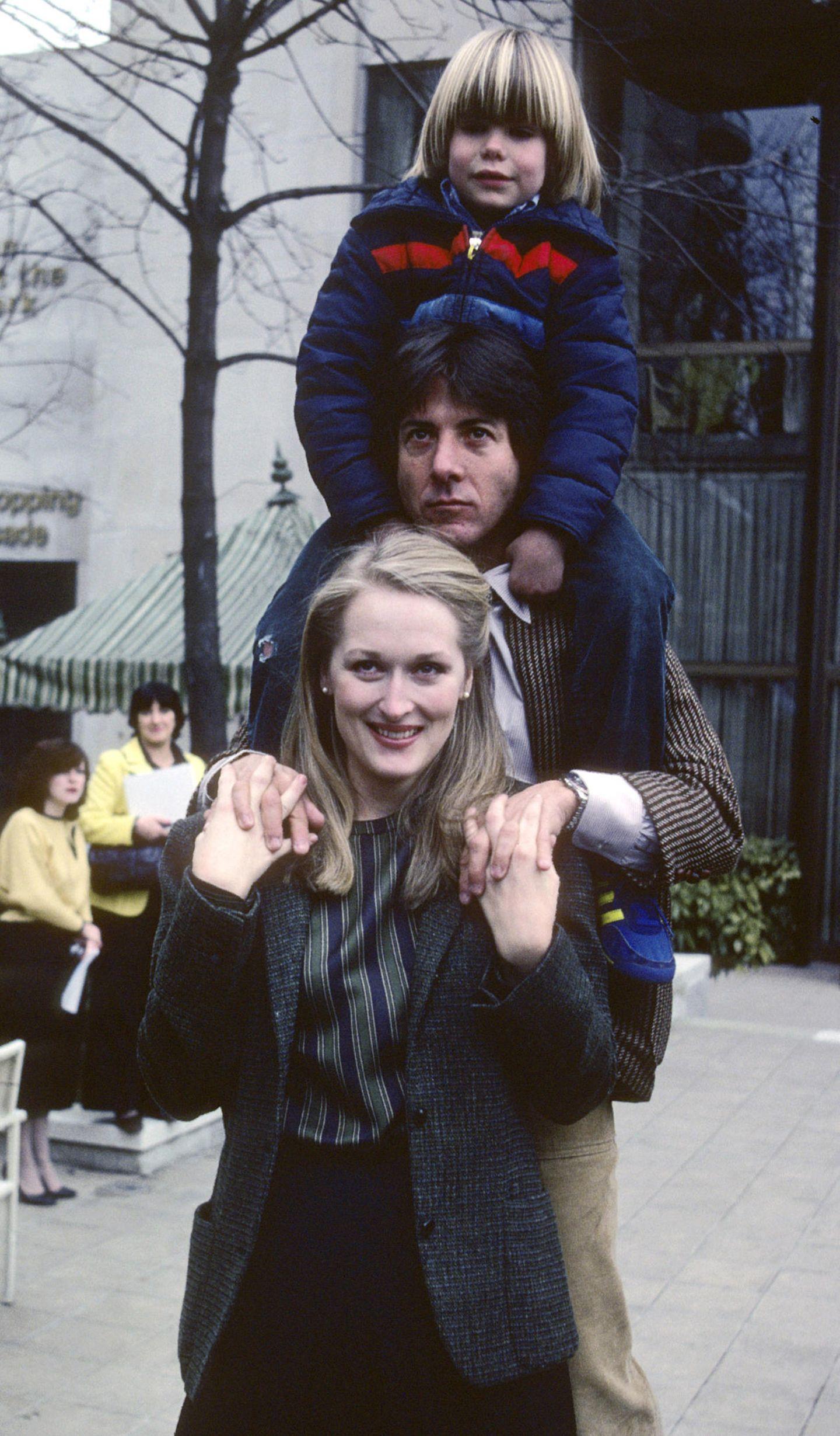 """1979 dreht Meryl Streep mit Dustin Hoffman das Sorgerechtsdrama """"Kramer gegen Kramer"""". Für ihre Darstellung wird sie 1980 mit dem Oscar als beste Nebendarstellerin ausgezeichnet."""