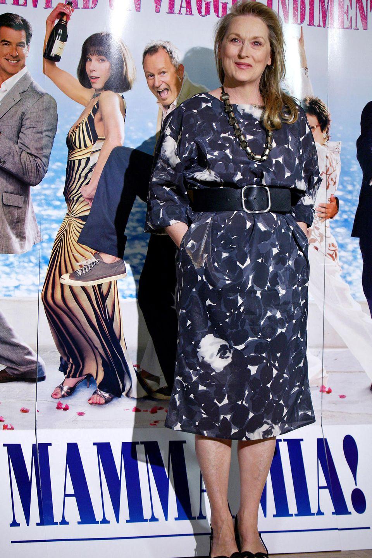 Die Musikkomödie, in der neben Meryl Streep auch Pierce Brosnan, Amanda Seyfried und Colin Firth mitspielen, basiert auf dem gleichnamigen Musical mit Hits der Popband Abba.
