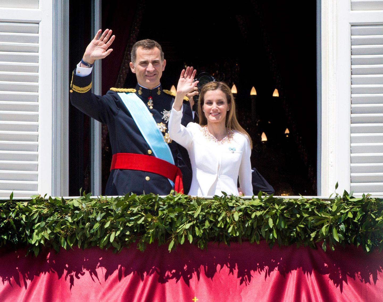 Am 19. Juni 2014 besteigt Felipe VI. nach der Abdankung seines Vaters Juan Carlos I. den spanischen Thron.Seine Ehefrau Letizia wird damit zur Königin von Spanien. GALA blickt zurück auf die Krönungszeremonie.