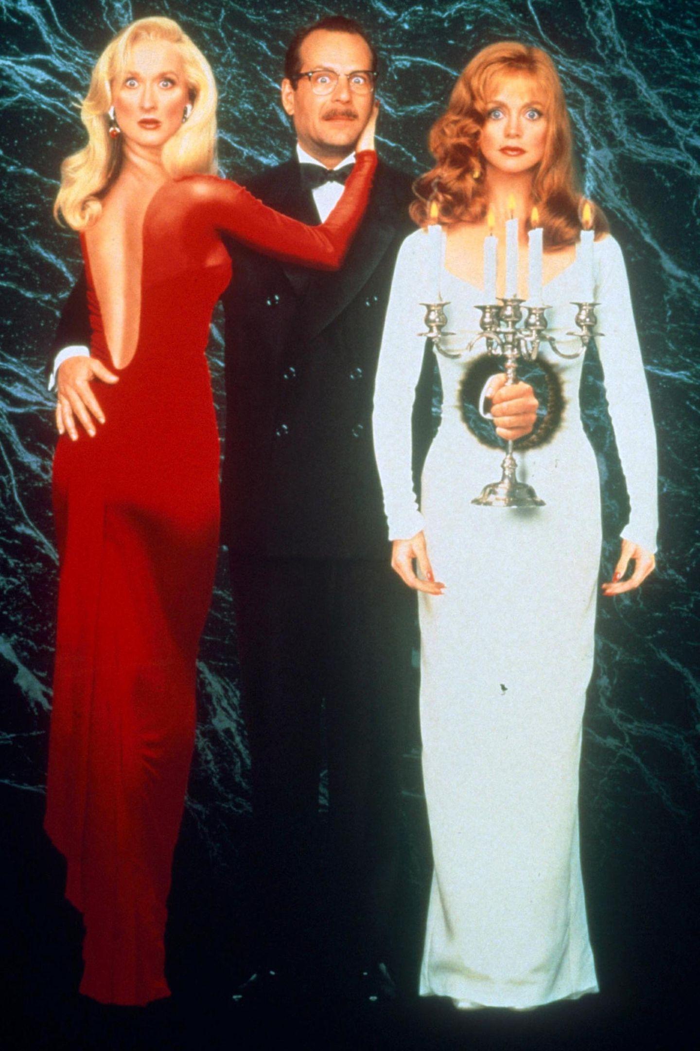 """Mit Bruce Willis und Goldie Hawn dreht sie 1992 die schwarze Komödie""""Der Tod steht ihr gut""""."""