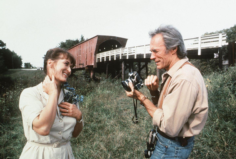 """Ihre Darstellung in """"Die Brücken am Fluß"""" bringt Meryl Streep 1996 erneut eine Oscar-Nominierung als beste Hauptdarstellerin ein.Regisseur, Produzent und männlicher Hauptdarsteller des Dramas ist Clint Eastwood."""
