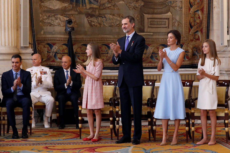 19. Juni 2019  Am fünften Jahrestag der Krönung ihres Vaters begleiten Prinzessin Sofía und Prinzessin Leonor König Felipe und Königin Letizia zur feierlichen Verleihung eines Ehrenordens.