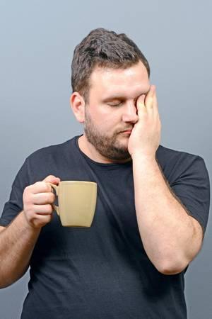 Wer unregelmäßig schläft, riskiert Gesundheitsrisiken.