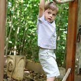 17. Juni 2019  Vorsichtig hangelt sich der kleine Prinz einen Seil-Parkour entlang.