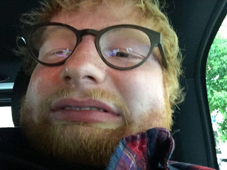 """20. Juni 2019  Na, ob das wohl Ed Sheerans schönstes Selfie ist? Aufmerksamkeit erregt es zumindest, und das soll es auch, schließlich kündigt der Sänger damit seinen neuen Song """"Beautiful People"""" an."""