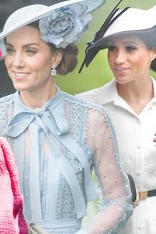 Herzogin Catherine, Queen Elizabeth + Demi Moore