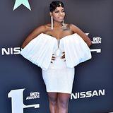 Sängerin Fantasia setzt bei Kleidung und Schuhen auf Weiß