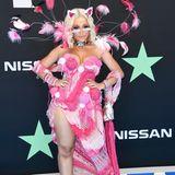 Rapperin Doja Cat kommt als pinkfarbene Fantasie-Katze verkleidet