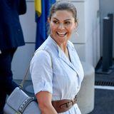 An der Schulter der Schwedin baumelt eineValentino-Tasche im Wert von knapp 1.700 Euro.