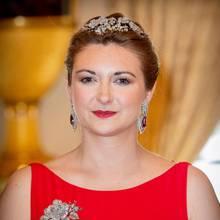 23. Juni 2019  Die schöne Herzogin bezaubert in einer roten Robe.